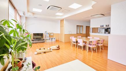新日本保学園の写真